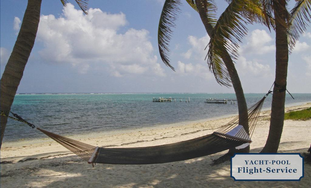 Cayman Inseln, Inselgruppe in der Karibik, kristallklares Wasser, Strand, Palmen, Hängematte, Segelurlaub