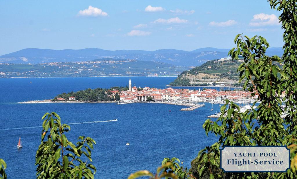 Slowenien, Mittelmeerküste, Adria, Altstadt. Küstenstadt. Tradition, Hafen, segeln, Sommer, blauer Himmel